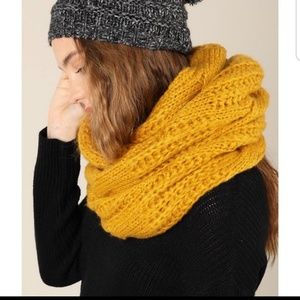 Fall into your Mustard Scarf